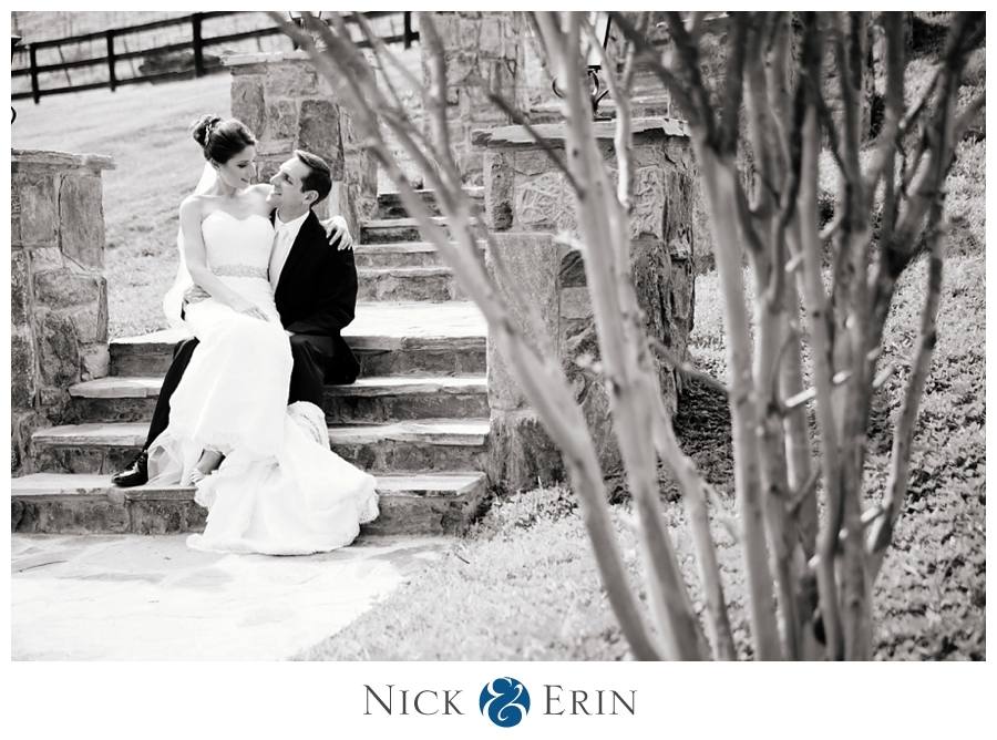 Donner_Photography_Bluemont Vineyard_Wedding_Stephanie_and_Chris_0007