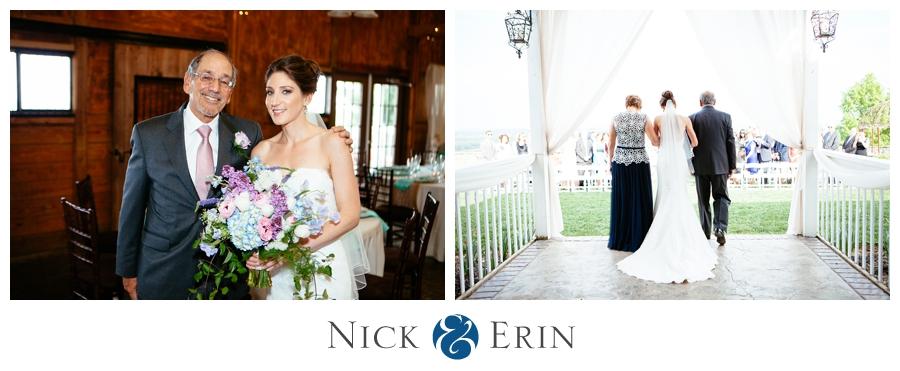 Donner_Photography_Bluemont Vineyard_Wedding_Stephanie_and_Chris_0032