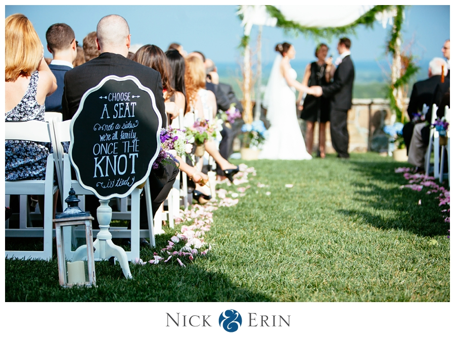 Donner_Photography_Bluemont Vineyard_Wedding_Stephanie_and_Chris_0034
